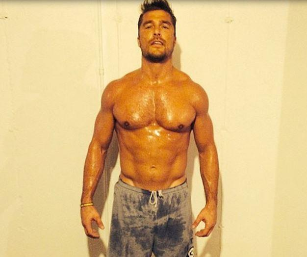 Bachelor Chris Soules, sweaty, shirtless, and ready to be ogled (Credit: Michelle Money)