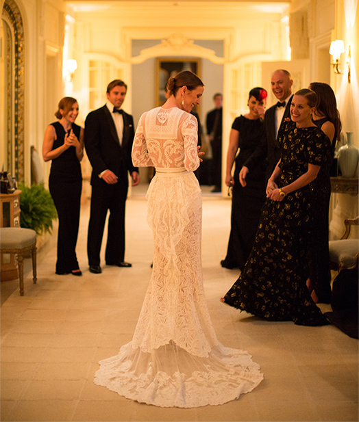 For Her 2012 Wedding To Artist Max Snow The Socialite Wore A Givenchy Dress Inspired By Frida Kahlo Complete With Tiers Of Lace Ruffles And Subversive Yet